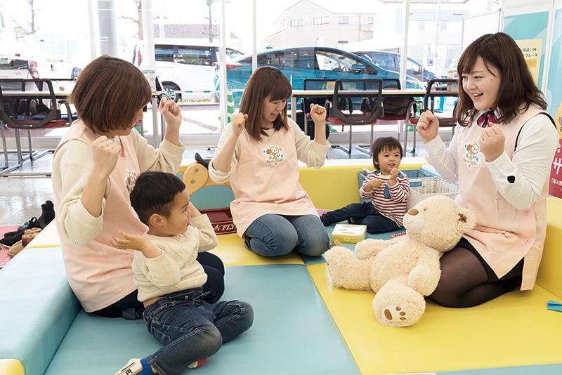 子どもたちの笑顔が見たいから。「飽きずに待てるワークブック」と「子どもとスタッフが仲良くなる講座」